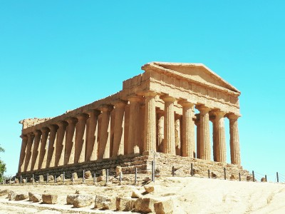 THE VALLEY OF TAMPLES: AGRIGENTO